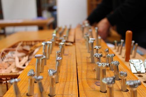 革細工体験で使う、文字や絵柄の道具・・・