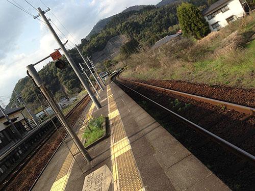 夜明駅線路。