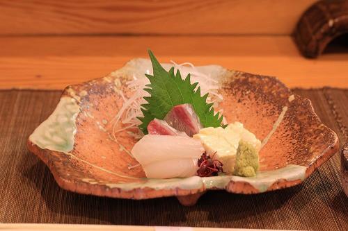 前菜の刺身・刺身湯葉(プリップリ濃厚)